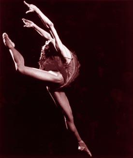 http://artsedge.kennedy-center.org/exploring/ballet/images/dth_firebd.jpg